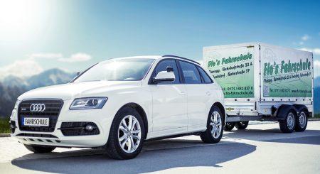 Audi-SQ5-Automatik-mit-Anhänger